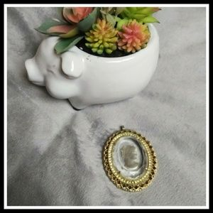 Jewelry - Beautiful large vintage clear Cameo pendant